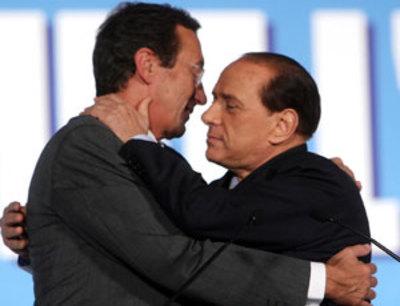 Berlusconi_fini01g